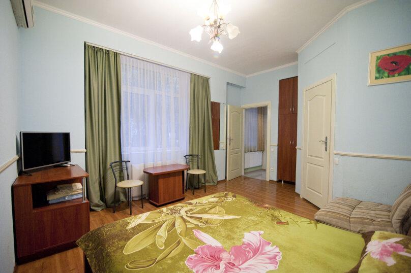 Дом на 12 человек со своим двором в центре Ялты на ул. Боткинская , 115 кв.м. на 12 человек, 4 спальни, Боткинская улица, 23, Ялта - Фотография 14