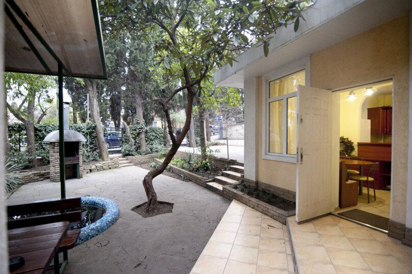 Дом на 12 человек со своим двором в центре Ялты на ул. Боткинская , 115 кв.м. на 12 человек, 4 спальни, Боткинская улица, 23, Ялта - Фотография 18