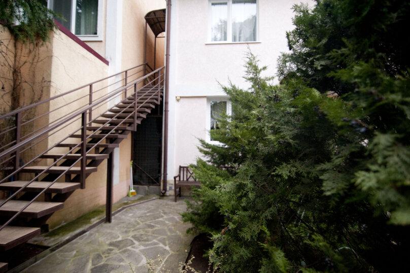 3-комн. квартира, 60 кв.м. на 7 человек, улица Чехова, 13А, Ялта - Фотография 2