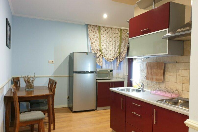 3-комн. квартира, 60 кв.м. на 7 человек, улица Чехова, 13А, Ялта - Фотография 1