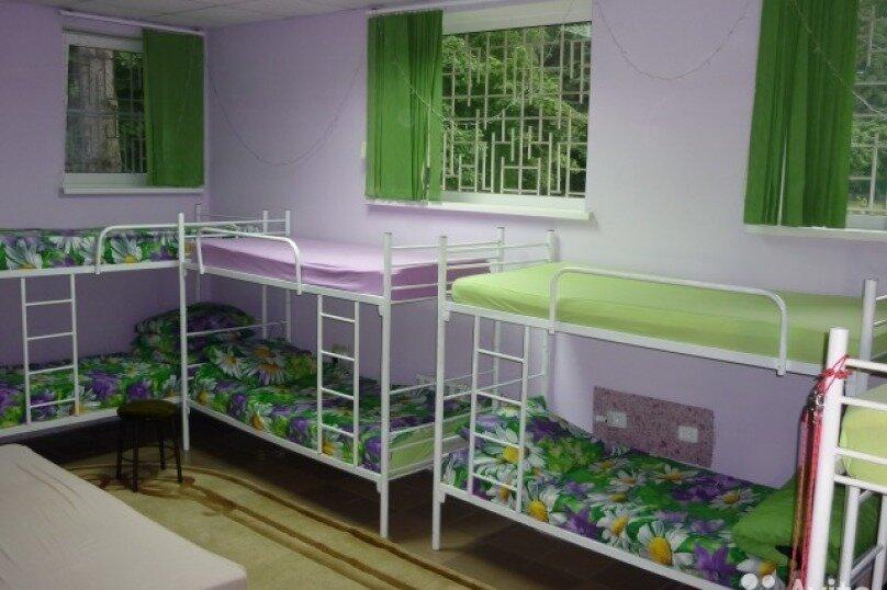 Комната с двухъярусными кроватями, улица Гагарина, 49, поселок Парковый, Тихорецк - Фотография 1