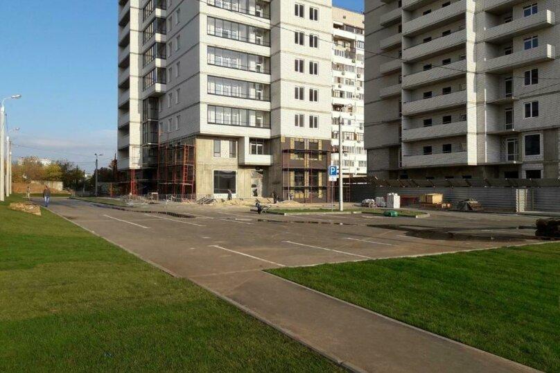 2-комн. квартира, 55 кв.м. на 4 человека, проспект Маршала Жукова, 88, Волгоград - Фотография 20