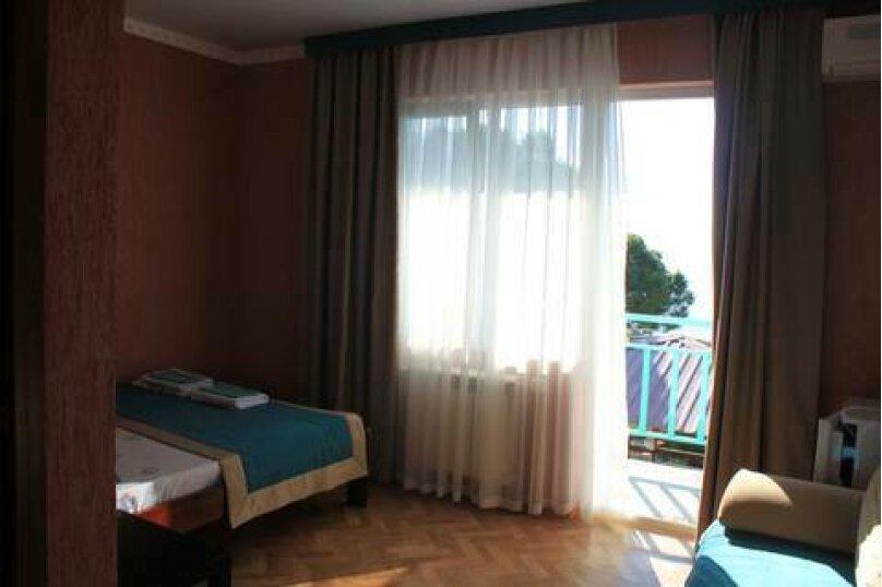 3-х местный номер с балконом, улица Декабристов, 119, Лоо - Фотография 4
