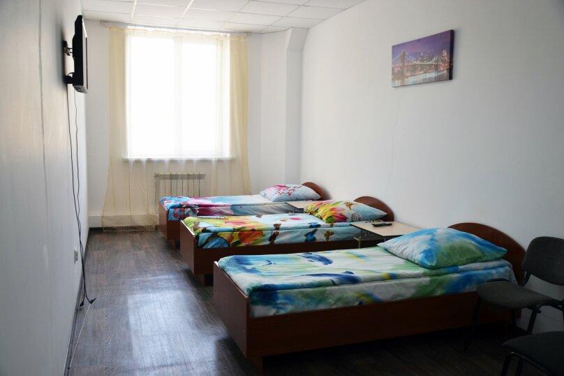 Стандарт 3 места, улица Забалуева, 5/1, Новосибирск - Фотография 3