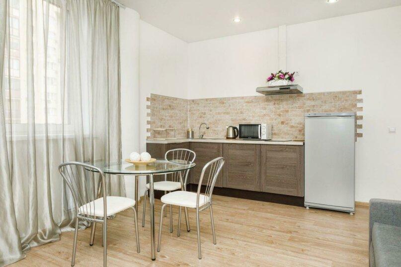 Апартаменты, улица Белинского, 30 на 3 комнаты - Фотография 17