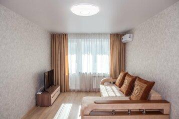 1-комн. квартира, 34 кв.м. на 2 человека, Океанский проспект, 107, Владивосток - Фотография 1