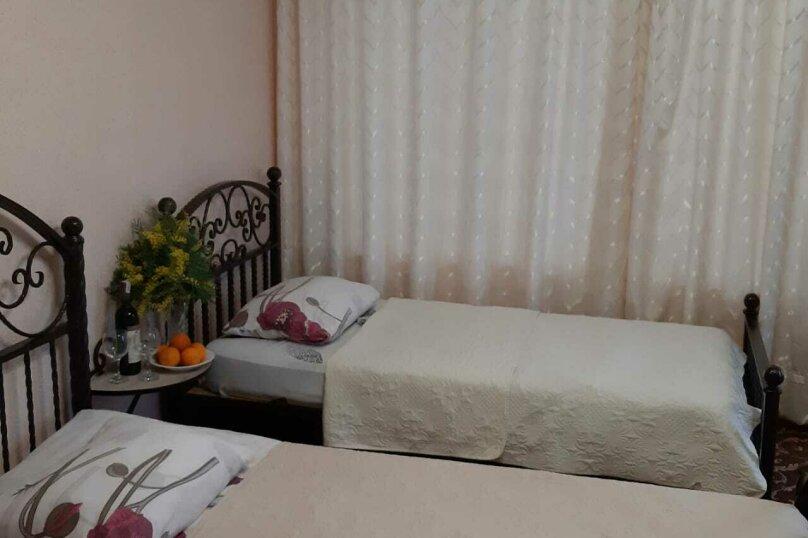 Семейный 3х-местный без балкона, улица Братьев Джинджолия, 44, Новый Афон - Фотография 2