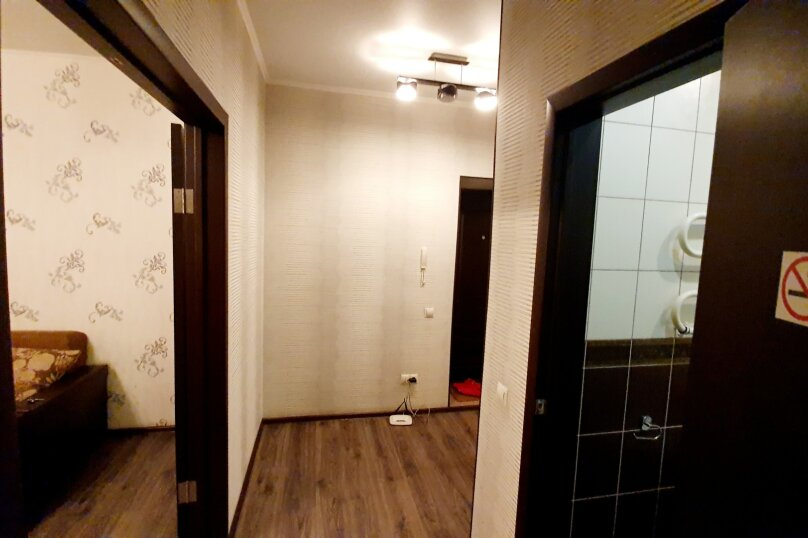 1-комн. квартира, 52 кв.м. на 4 человека, улица Масленникова, 76, Омск - Фотография 9