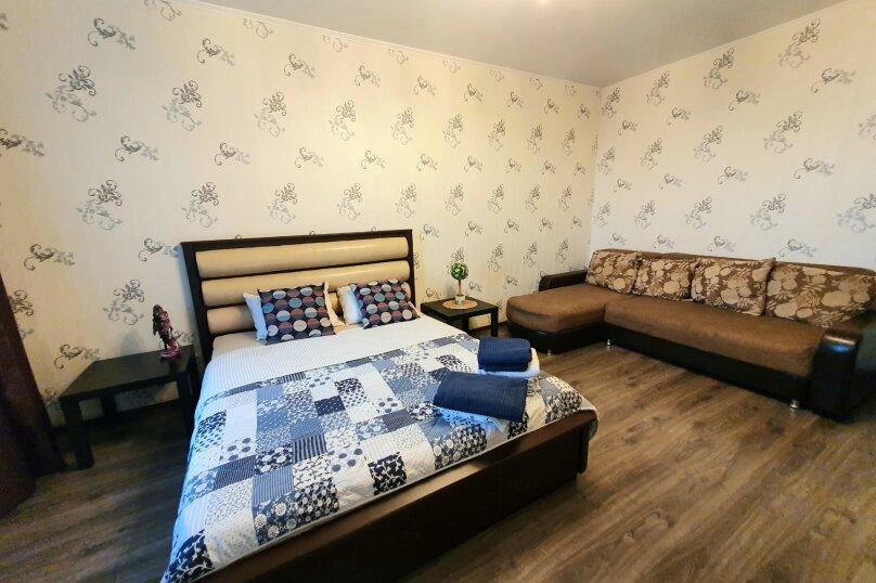1-комн. квартира, 52 кв.м. на 4 человека, улица Масленникова, 76, Омск - Фотография 15