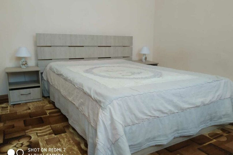 Двухкомнатный номер с ванной комнатой, СТ Мираж, Виноградная, Б1, посёлок Орловка, Севастополь - Фотография 1