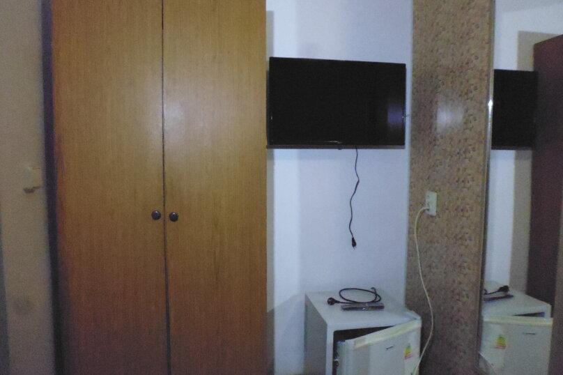 Гостевой дом Чепурова, Алычевый переулок, 1 на 15 комнат - Фотография 97