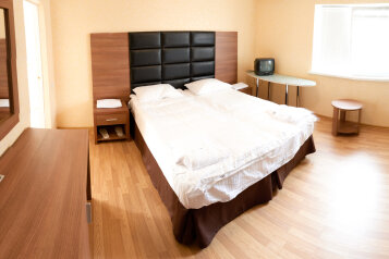 Дом, 55 кв.м. на 6 человек, 2 спальни, Заречная улица, 1Д, Ольгинка - Фотография 1