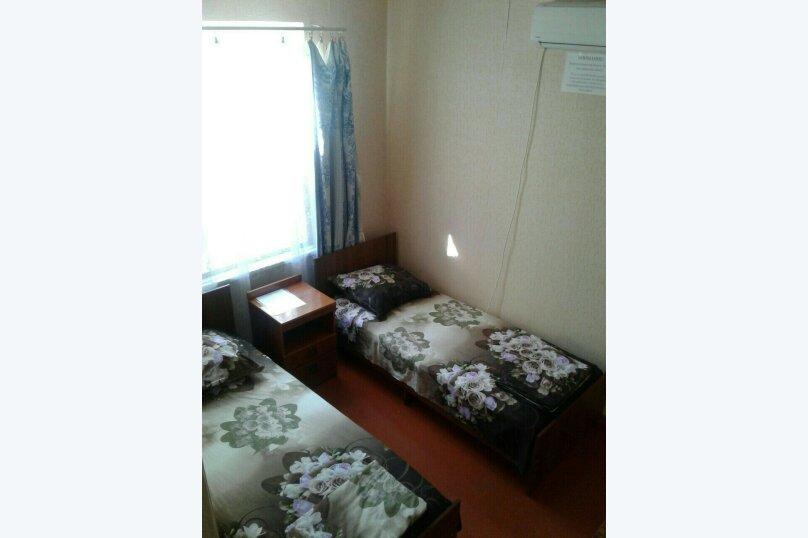 Двухместная комната в Гостевом Доме г. Гагра Абхазия, улица Лакоба, 32, Гагра - Фотография 2