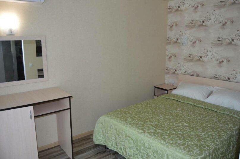 Люкс 2х комнатный, улица Шмидта, 23А, Геленджик - Фотография 13