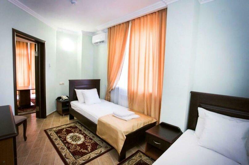 ПолуЛюкс «Junior Suite», улица Агумава, 2, Сухум - Фотография 1