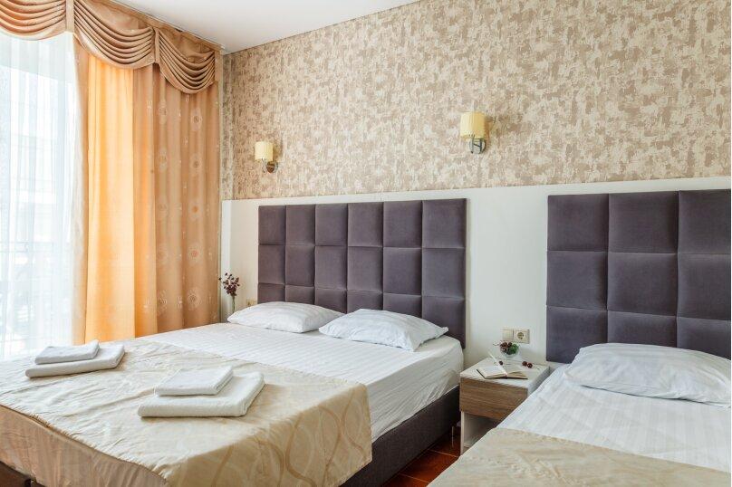 4-х местный полулюкс с балконом, улица Золотые Пески, 15, Витязево - Фотография 1