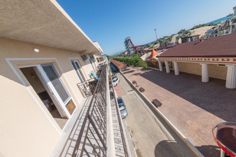 2-х местный делюкс с балконом, улица Золотые Пески, 15, Витязево - Фотография 12