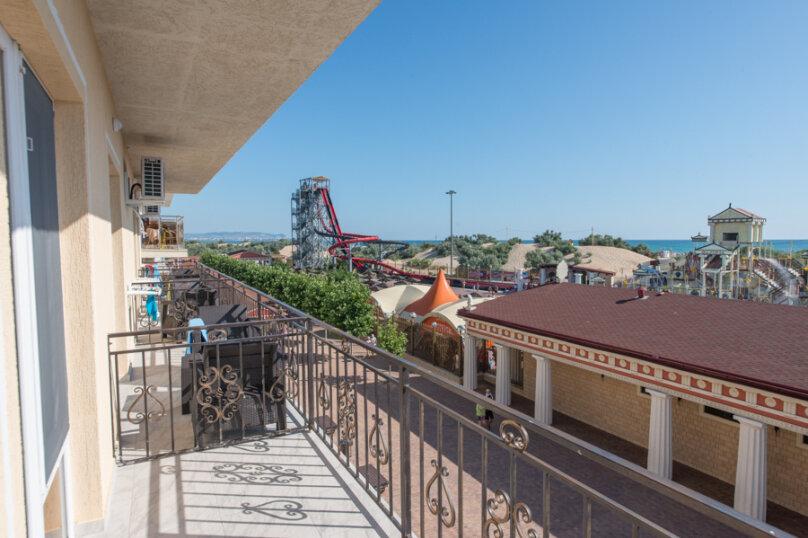 2-х местный делюкс с балконом, улица Золотые Пески, 15, Витязево - Фотография 13