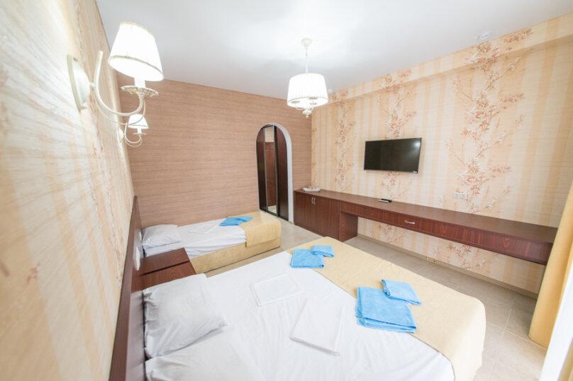 3-х местный делюкс с балконом, улица Золотые Пески, 15, Витязево - Фотография 5
