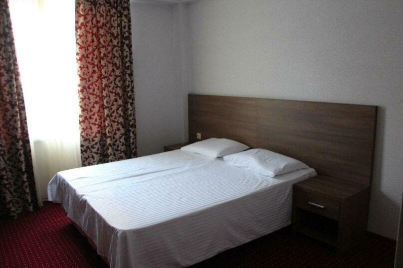 Стандартный двухместный номер с 1 кроватью или 2 отдельными кроватями, , , Сухум - Фотография 5