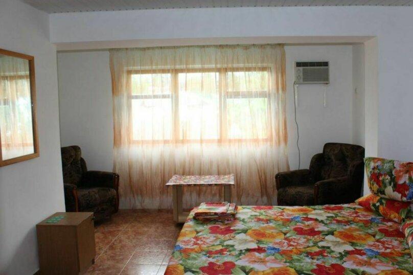 Гостевой дом Чепурова, Алычевый переулок, 1 на 15 комнат - Фотография 58