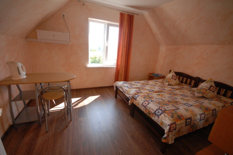 Двухкомнатный четырехместный номер на третьем этаже, улица Шершнёва, 18, Коктебель - Фотография 2