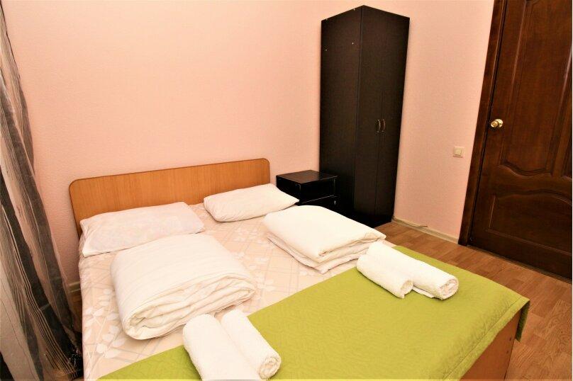 Апартаменты в центре Адлера на 10 человек, 100 кв.м. на 12 человек, 4 спальни, Куйбышева, 44/1, Адлер - Фотография 9