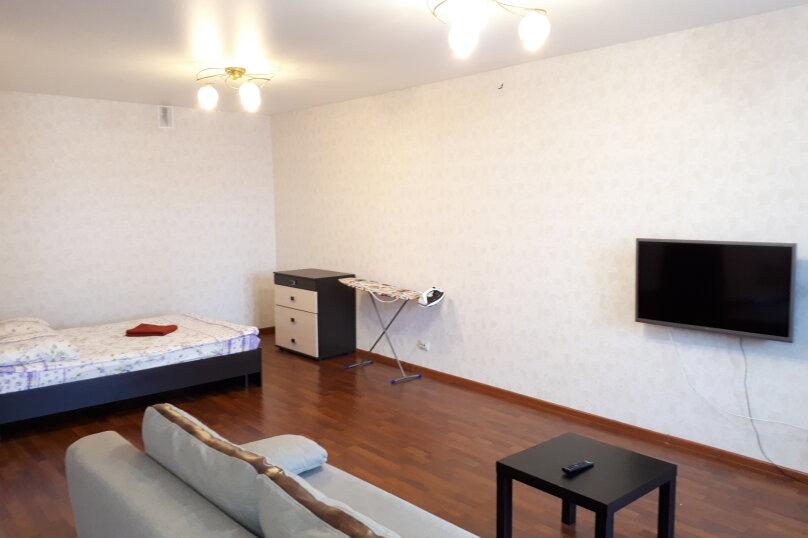 1-комн. квартира, 49 кв.м. на 4 человека, улица Луначарского, 66, Пермь - Фотография 10