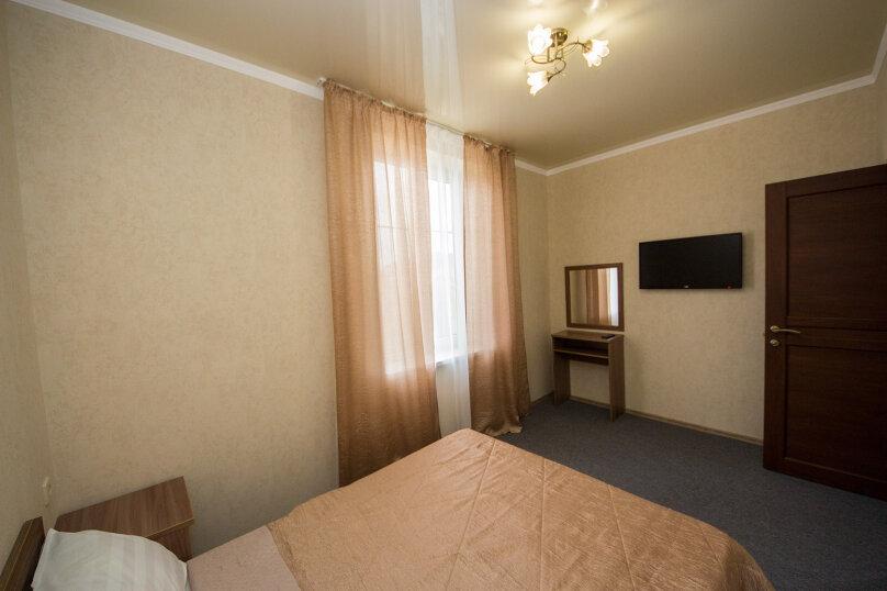 4-х местный комфорт 2-х комнатный, улица Воина Шембелиди, 6, Витязево - Фотография 1