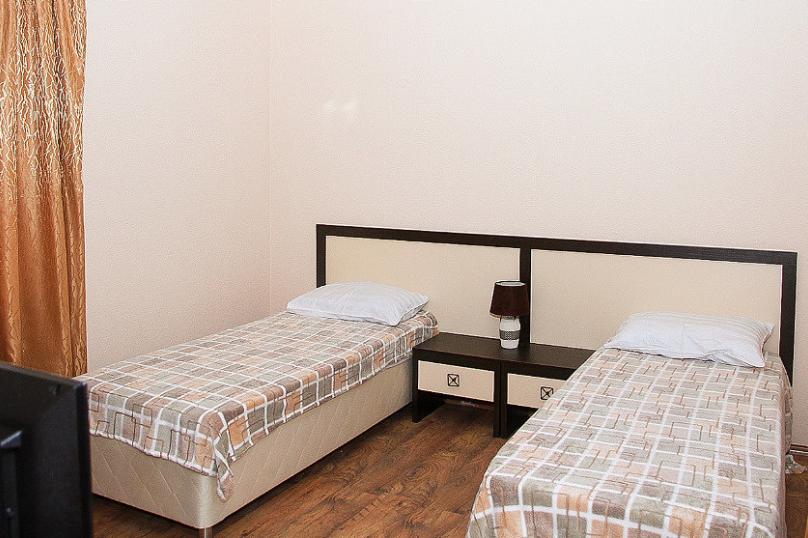 СТАНДАРТ однокомнатный - 2 этаж № 6, 7, 8, 9 (две односпальные кровати), Кистрикская улица, 6А, Гудаута - Фотография 2