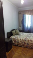 2-комн. квартира, 55 кв.м. на 6 человек, улица Генерала Дбар, 25, Сухум - Фотография 1