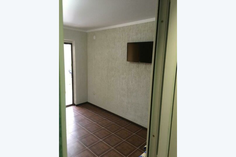 Трехместный номер с основными удобствами, Кабардинская улица, 121, Гагра - Фотография 9