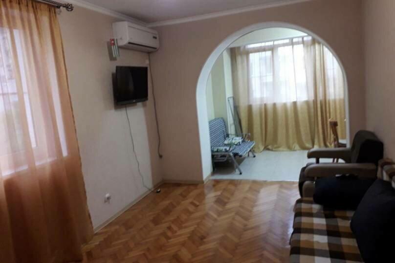 2-комн. квартира на 4 человека, Кодорское шоссе, 27, Сухум - Фотография 7