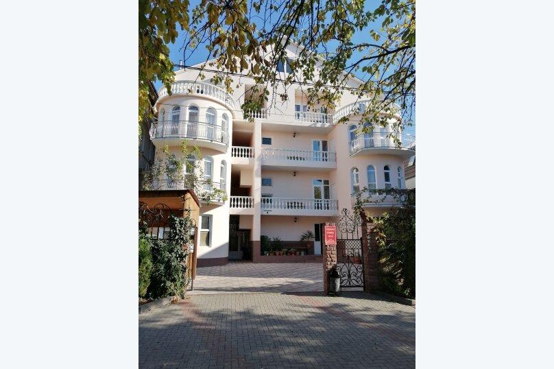 """Гостевой дом """"Кристина"""", Олимпийский переулок, 4 на 19 комнат - Фотография 1"""