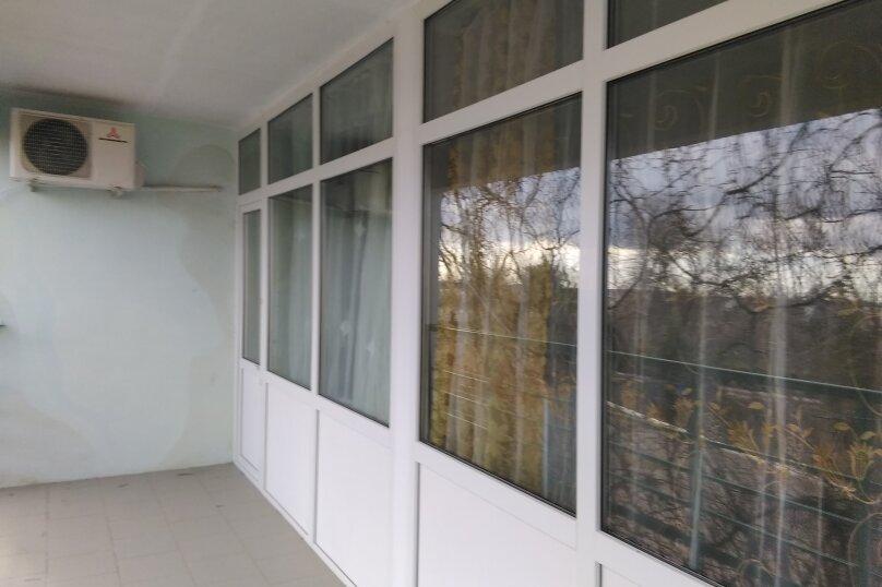 Стандарт 1 с балконом , Угловая, 16, Керчь - Фотография 3