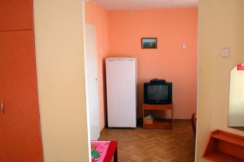 Полулюкс, улица Декабристов, 26, Севастополь - Фотография 1