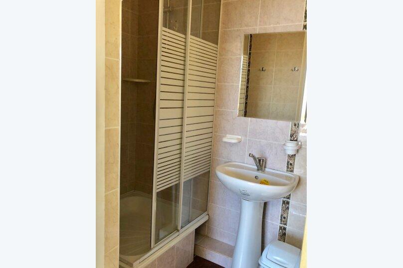2-местный номер эконом-класса с общей ванной комнатой на два номера., Центральная улица, 25, Витязево - Фотография 3