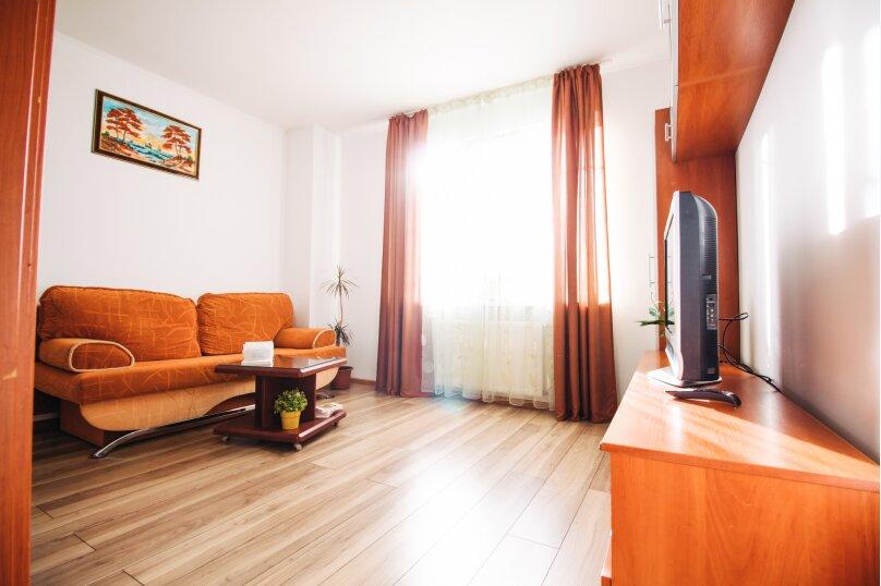 1-комн. квартира, 39 кв.м. на 4 человека, Эпроновская улица, 33, Калининград - Фотография 1