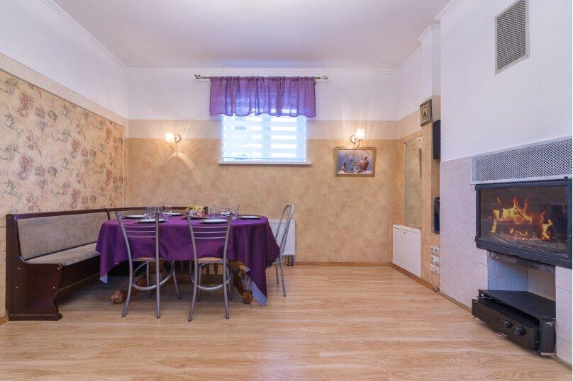 Дом в сосновном лесу, у Европарка, 250 кв.м. на 12 человек, 4 спальни, СНТ Рублево-10, 153, Москва - Фотография 2