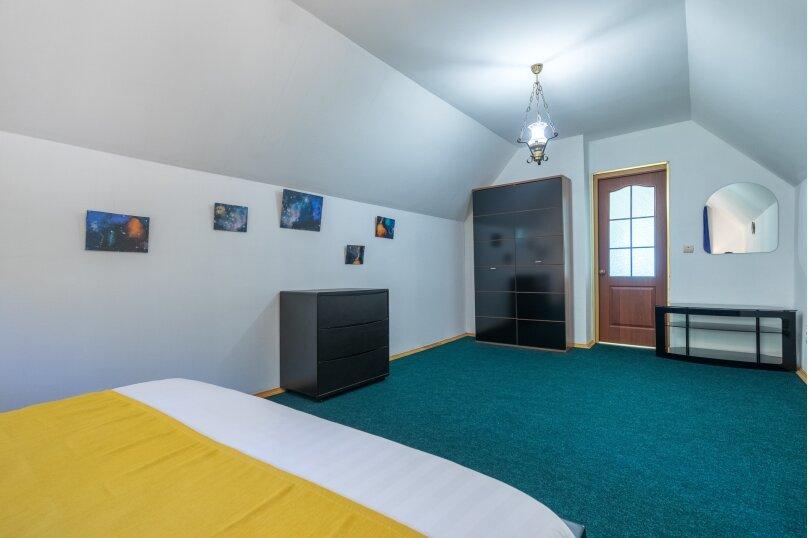 Дом в сосновном лесу, у Европарка, 250 кв.м. на 12 человек, 4 спальни, СНТ Рублево-10, 153, Москва - Фотография 7
