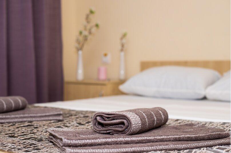 Стандарт с балконом 1 комнатный с 2-х  спальной кроватью, трасса А-147, 15-й километр, Лермонтово - Фотография 2