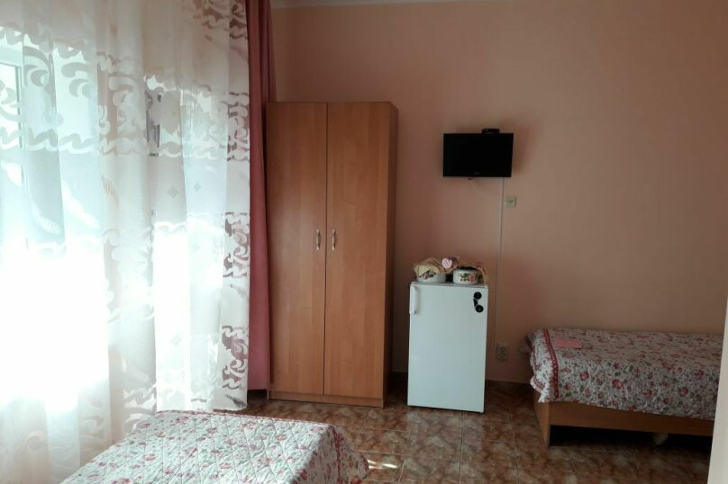 Семейный 2-х комнатный, улица 54-й Артбатареи, 8, Николаевка, Крым - Фотография 2