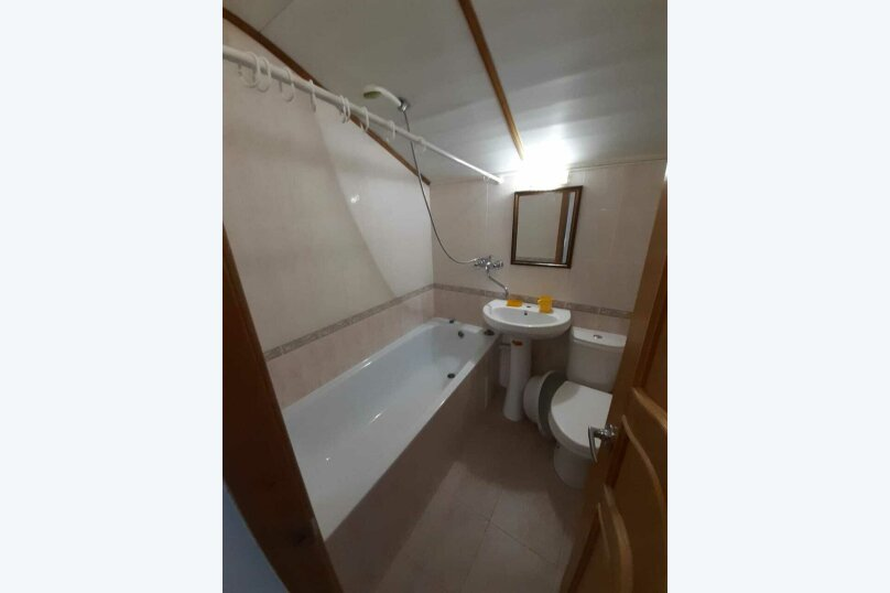 стандартная 4-х местная комната с видом на море, Приморская улица, 14, Геленджик - Фотография 5