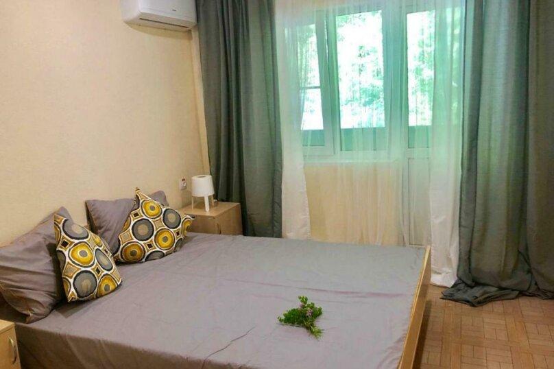 Стандарт с балконом 1 комнатный с 2-х  спальной кроватью, трасса А-147, 15-й километр, Лермонтово - Фотография 6