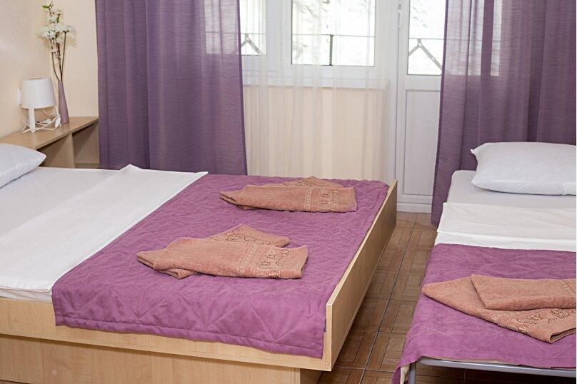 Стандарт с балконом 1 комнатный с 2-х  спальной кроватью, трасса А-147, 15-й километр, Лермонтово - Фотография 8
