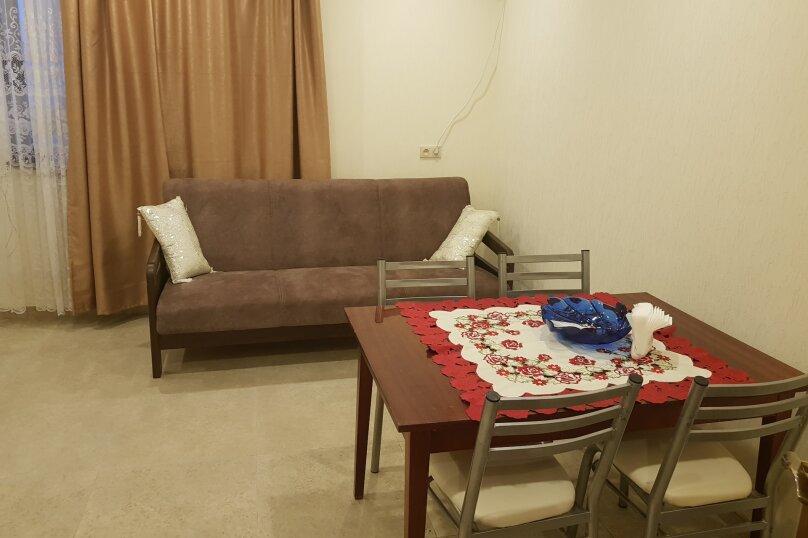 Дом, 75 кв.м. на 5 человек, 2 спальни, Абазинская улица, 49, Сухум - Фотография 2