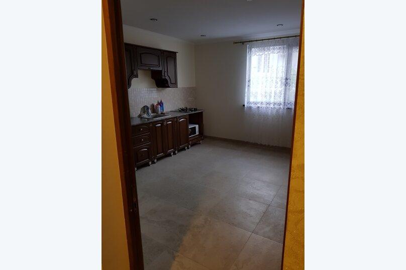 Дом, 75 кв.м. на 5 человек, 2 спальни, Абазинская улица, 49, Сухум - Фотография 4
