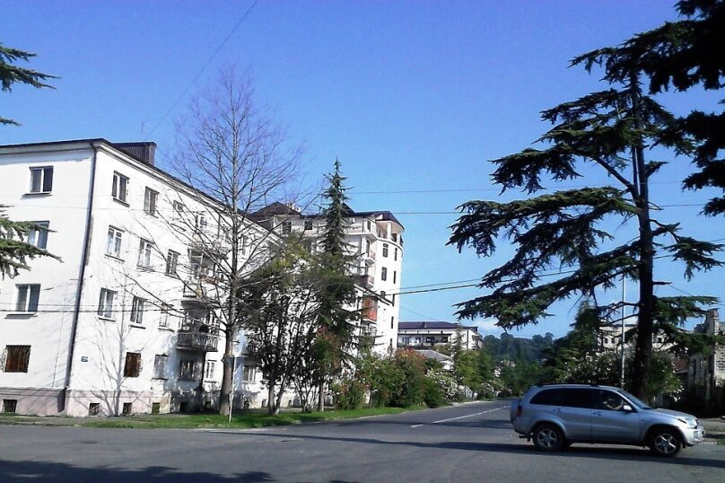 1-комн. квартира, 37 кв.м. на 3 человека, улица Академика Сахарова, 15, Сухум - Фотография 8