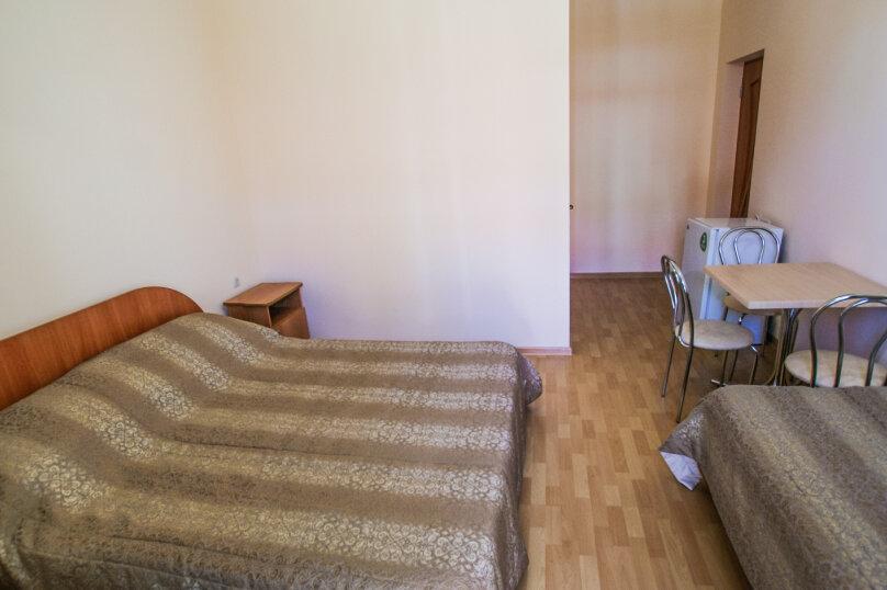трехместный номер с завтраком, Чудесная улица, 2/49, Николаевка, Крым - Фотография 4