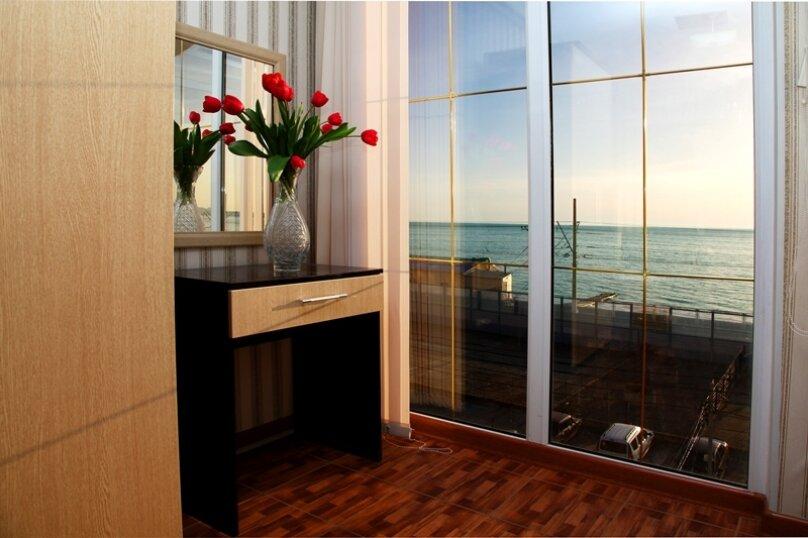 2-х местный с балконом, видом на море, улица Просвещения, 169Г, Адлер - Фотография 1